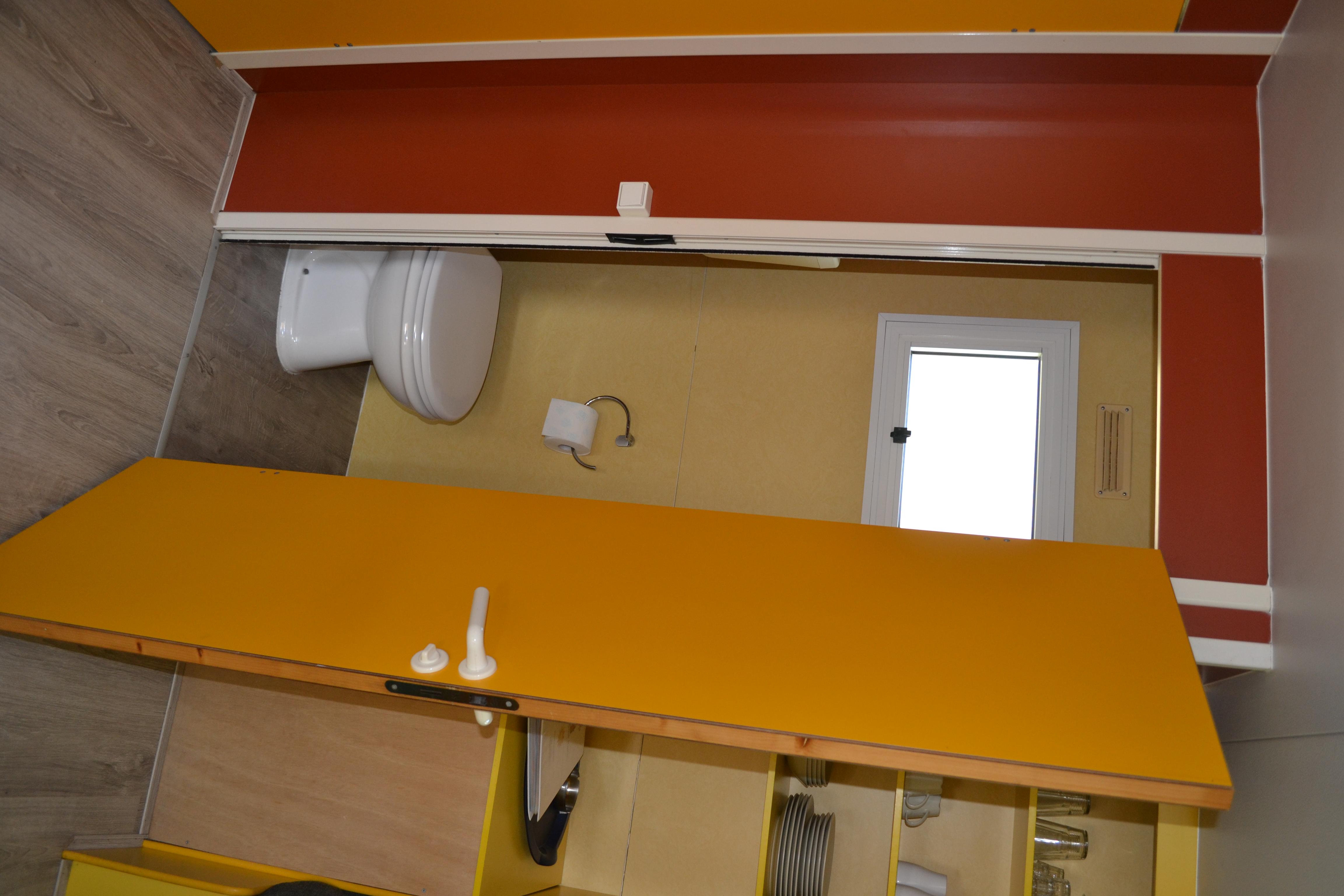 Paradiso apart toilet